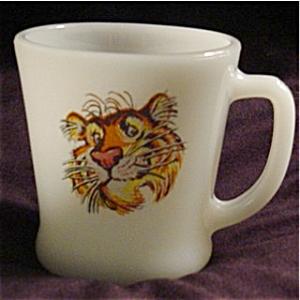 f6b7878e165 Fire King Esso Tiger Coffee Mug (Glass-Fire King) at Grandma's Basement