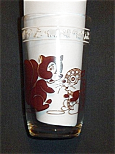 Swanky Swigs Squirrel Glass (Image1)