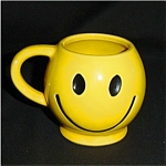 Click here to enlarge image and see more about item 115s: McCoy Happy Face Mug