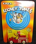 Click here to enlarge image and see more about item 1249s: 1989 Ertl Looney Tunes Daffy Duck Die Cast