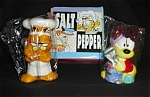 Click here to enlarge image and see more about item 1251s: Garfield and Odie Salt and Pepper Shakers