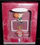 Click here to enlarge image and see more about item 166h: Sonics NBA Hallmark Ornament