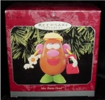 Click here to enlarge image and see more about item 3h: Hallmark Ornament Mrs. Potato Head