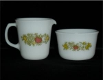Click here to enlarge image and see more about item 566: Pyrex Sugar Bowl & Creamer