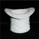 Click here to enlarge image and see more about item 622: Milk Glass Top Hat