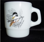 Click here to enlarge image and see more about item 661: Fire King Bird  Mug