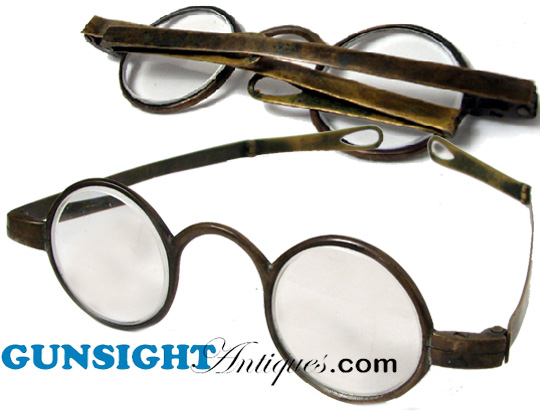 late 1700s / early 1800s – BRASS FRAME SPECTACLES (Image1)
