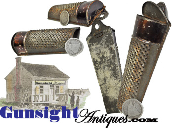 antique traveling NUTMEG GRATER (Image1)