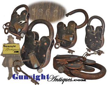 exceptionally large! - working  Civil War 1862 date PADLOCK & KEYS (Image1)