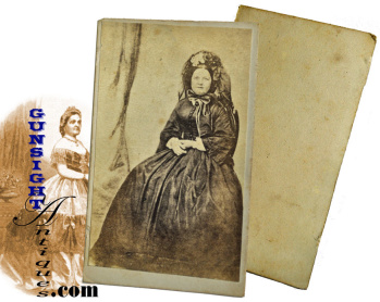 Mary Lincoln in mourning – PERIOD CDV (Image1)