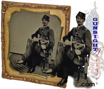 outstanding Civil War Infantry Officer Tintype – ( Library of Congress # B8184-10541 ) (Image1)