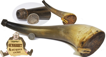 nice spout decorated antique POWDER HORN (Image1)