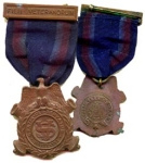 Click here to enlarge image and see more about item 264: CIVIL WAR VETERAN'S  AUXILIARY MEDAL
