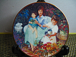 Avon Blossoms Of Love Mother's Day 2001 Plate