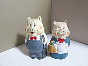 Vintage Artmart Mr & Mrs  Farmer Pig Bell Set (Image1)