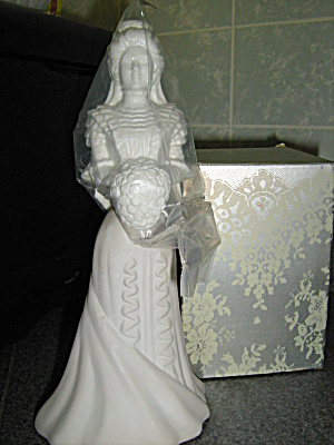 Avon Vintage Fashion Figurine Bridal Moments