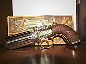 Avon Vintage 1850 Pepperbox Pistol Everrest Cologne