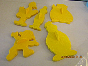 Vintage Muppet's Yellow Cookie Cutter Set