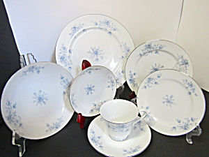 Crown Empire Duchess 28 Piece Set Dinnerware