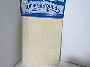 Vintage Wood Press-out Wrap-a-rounds Cat