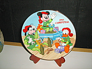 Santa's Workshop Disney Mickey Mouse Christmas Plate