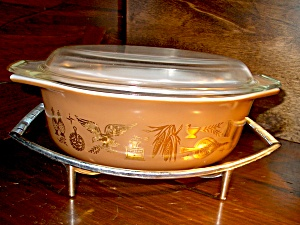 Vintage Corning Pyrex Early American Covered Casserole