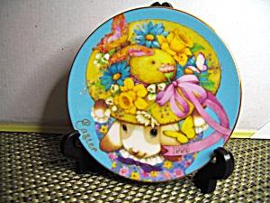 Avon My Easter Bonnet 1995 Easter Plate (Image1)