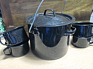 Metelware Handled Camping Pot And Cups