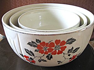 Vintage Hall Red Poppy Stacking Mixing Bowl Set