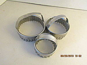 Vintage Metal Fluted Biscuit Cutter Set