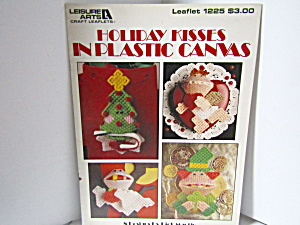 Leisure Arts Holiday Kisses In Plastic Canvas #1225