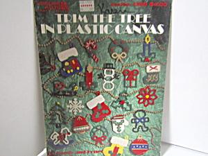 Leisure Art Trim The Tree  In Plastic Canvas #1389 (Image1)