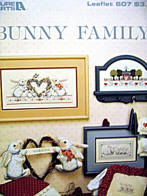 Leisure Arts Bunny Family #607