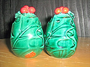 Lefton Green Holly Salt & Pepper Shaker Set