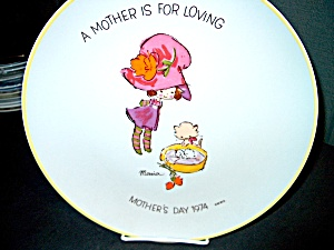 Collector Plate Mother's Day 1974 Maria
