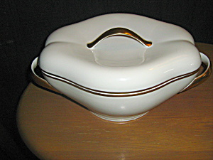 Meito Norleans China El Dorado Covered Caserole