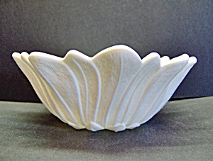 Indiana Glass Lily Pons Milk Glass Bowl Large