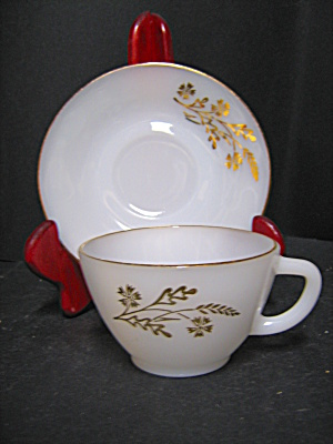 Federal Glass Meadow Gold Cup And Saucer Set