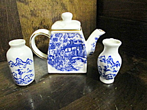 Vintage Blue Colonial Miniature Tea Pot