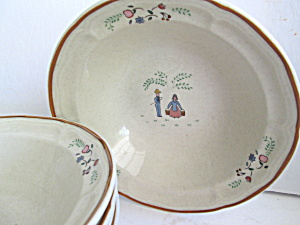 Vintage Stoneware Old Country Cereal/soup Bowls