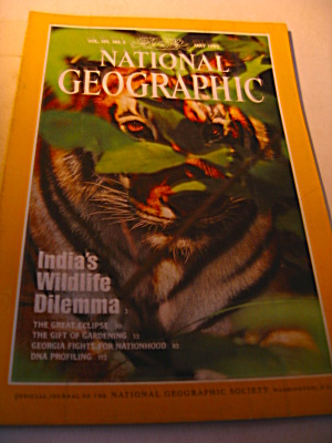 Vintage National Geographic Magazine January 1992