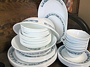 Vintage Corelle Old Town Blue Dinnerware Set