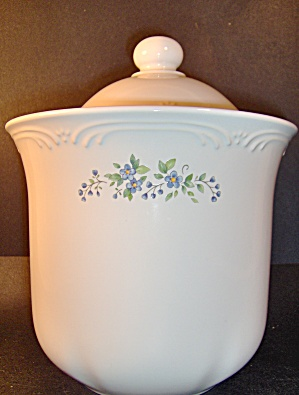 Pfaltzgraff Meadow Lane Sugar Canister