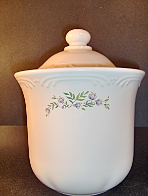 Pfaltzgraff Meadow Lane Coffee  Canister (Image1)