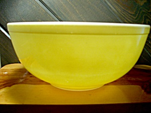 Vintage Pyrex Solid Yellow Primary Color Stacking Bowl