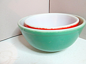 Vintage Corning Pyrex Green And Red Primary Color Bowls