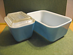 Pyrex Blue Medium Refrigerator Dish Set