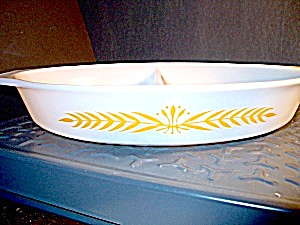 Vintage Corning Pyrex Royal Wheat 1.5 Quart Casserole