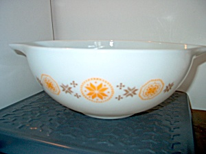 Vintage Pyrex Town & Country Large Nesting Bowl
