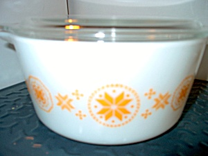 Vintage Corning Pyrex Town & Country Covered Casserole